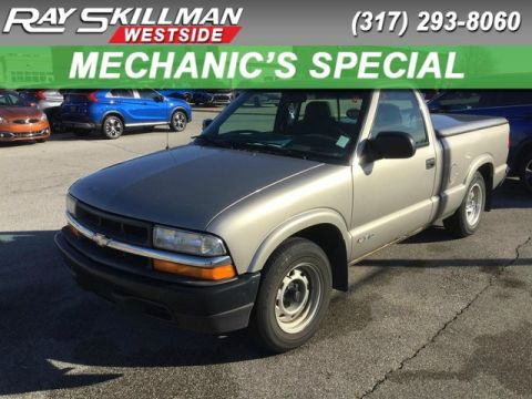 Pre-Owned 1999 Chevrolet S-10 LS